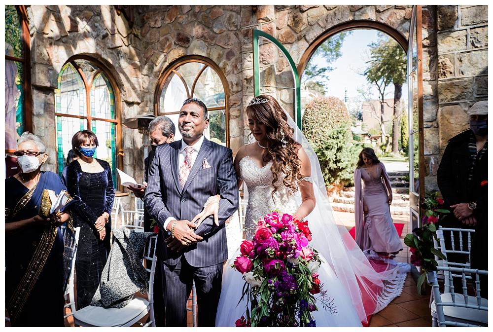 Best_Wedding_Photographer_AlexanderSmith_1801.jpg