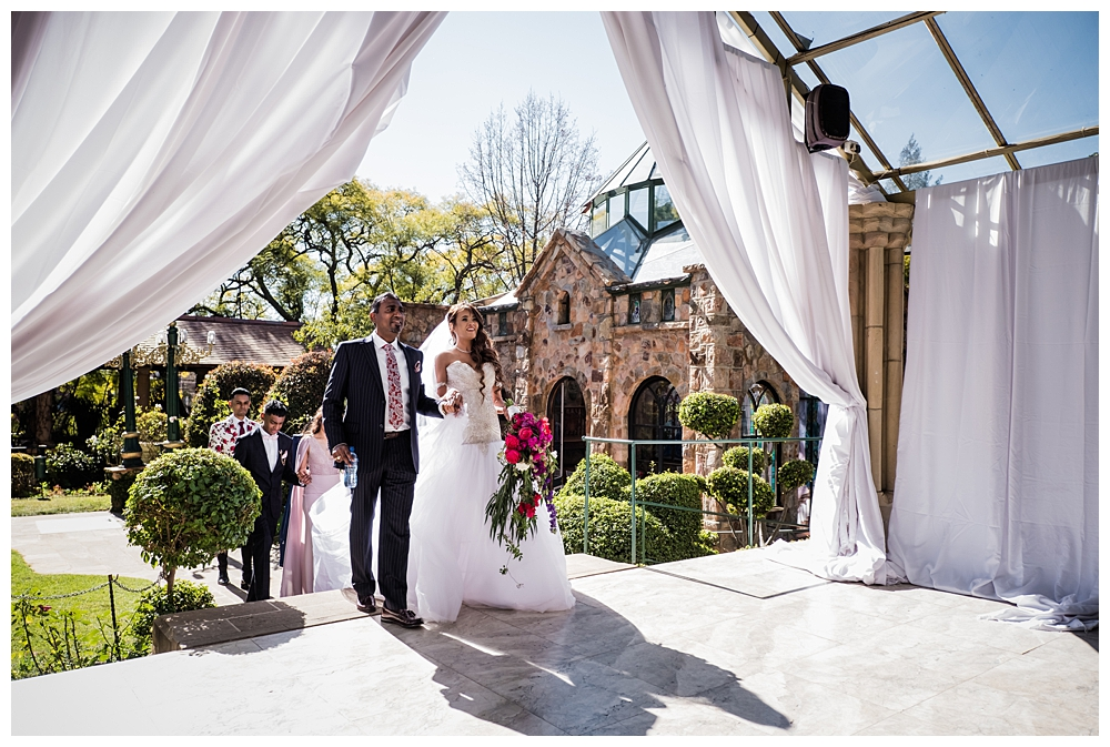 Best_Wedding_Photographer_AlexanderSmith_1869.jpg